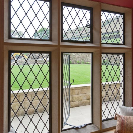 A Guide To 'Traditional Leadlights' | Metal Windows ...